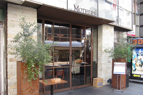 MOTHERS01.jpg